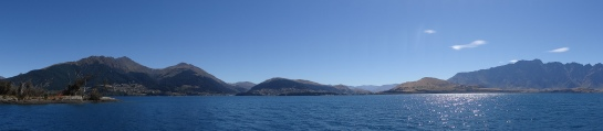 A nice shot taken of the lake in Queenstown.